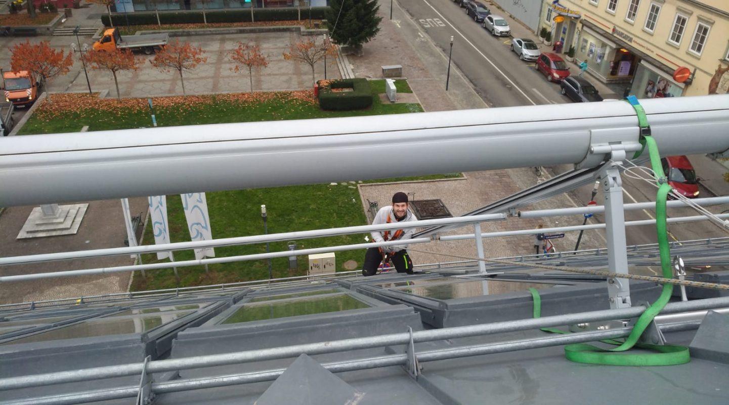 Service- und Wartung an Fassade