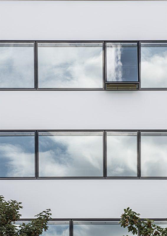 Universität Innsbruck Fensterband