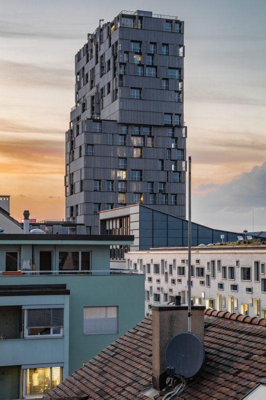 Meret Oppenheim Hochhaus Basel Dämmerung