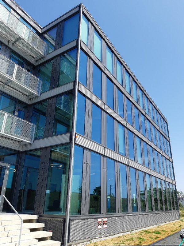 LUNOS Lüftungstechnik GmbH, Berlin Fassade neben Eingang