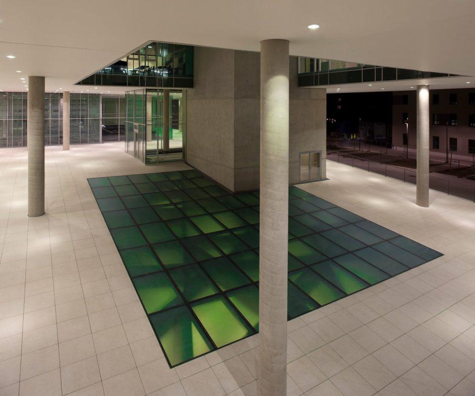 Universität Salzburg: Fakultät für Kultur- und Gesellschaftswissenschaften Glasboden