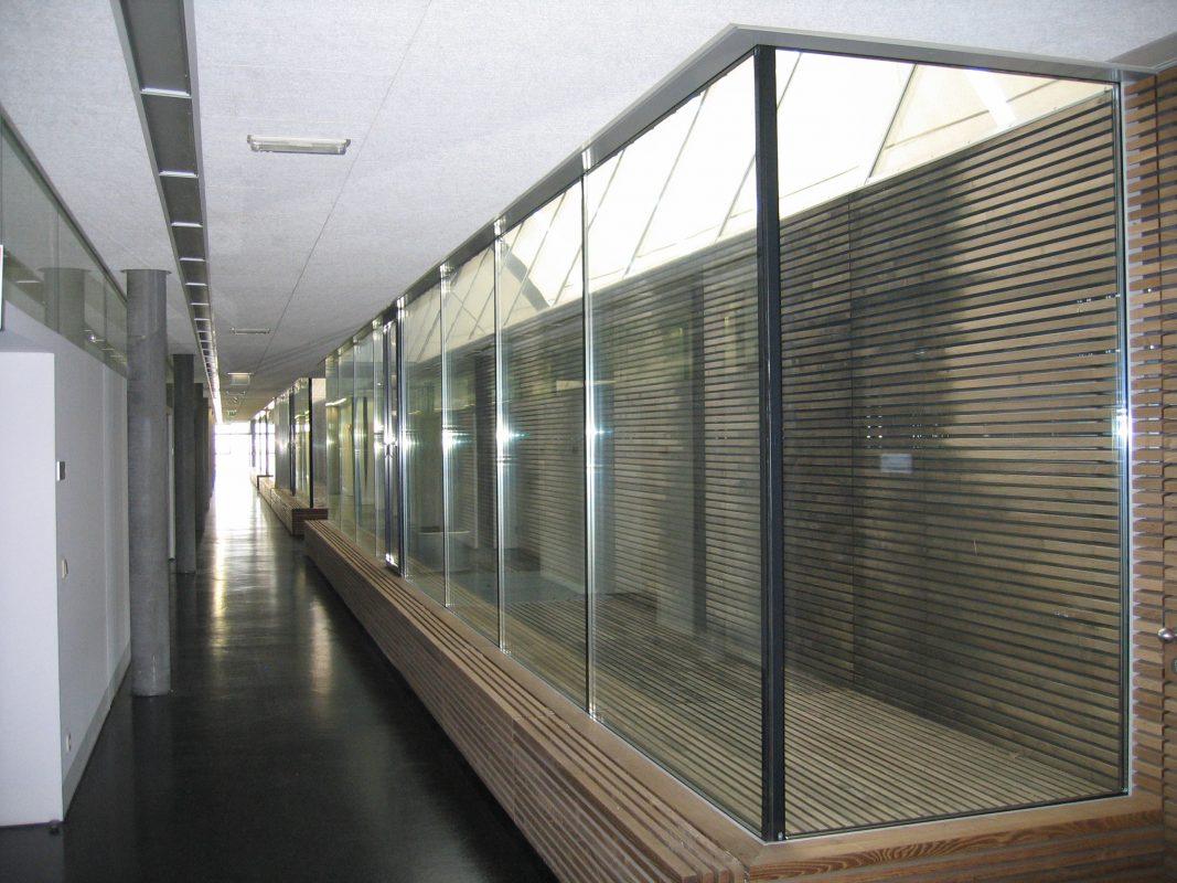 Wiener Linien, Leopoldau Gang Innenverglasung